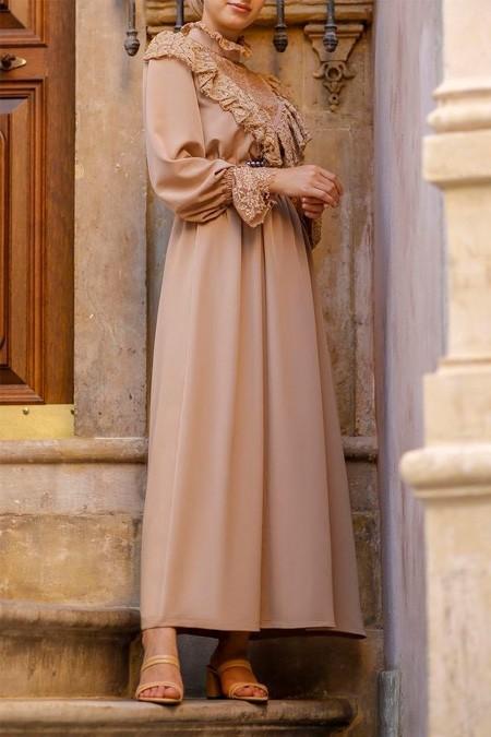 Esra Keküllüoğlu Bej Dantel Detaylı Elbise