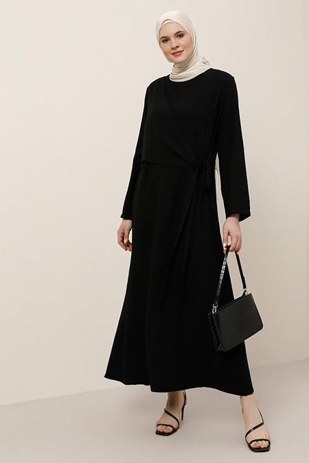 Alia Siyah Beli Bağlama Detaylı Elbise