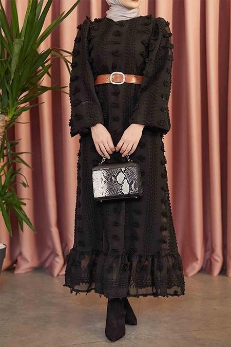Moda Ekru Siyah Dantelli Ponponlu Elbise