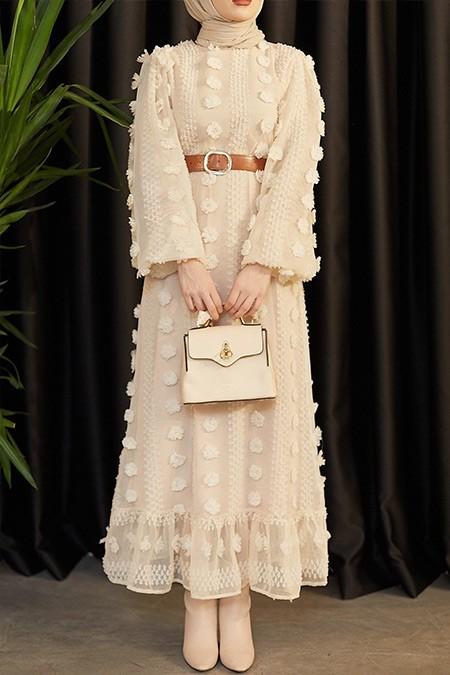 Moda Ekru Vizon Dantelli Ponponlu Elbise