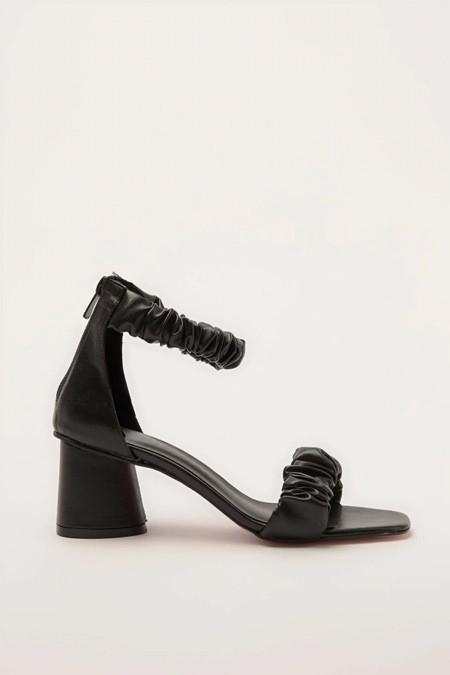 TRENDYOLMİLLA Siyah Klasik Topuklu Ayakkabı
