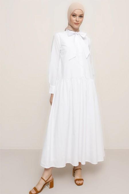 Refka Beyaz Yaka Detaylı Gizli Düğmeli Elbise