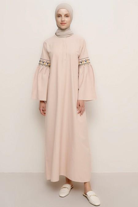 Benin Pudra Kolları Nakış Detaylı Pamuklu Elbise
