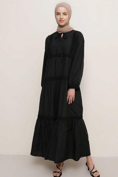 Benin Siyah Dantel Detaylı Elbise
