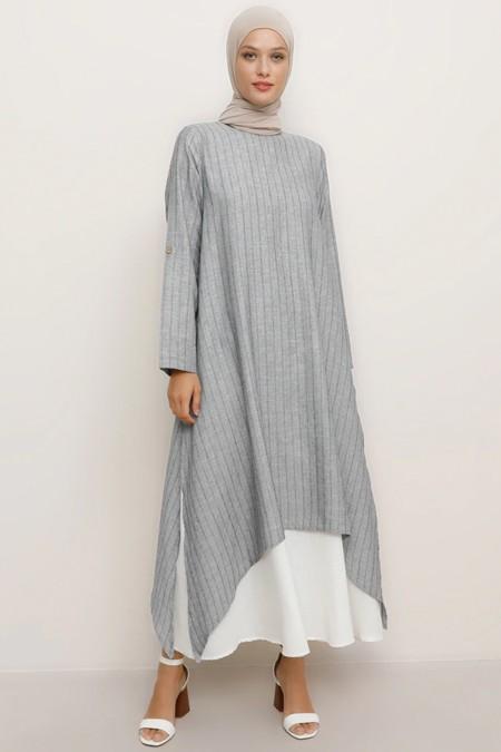 Refka Lacivert Doğal Kumaşlı Yanları Yırtmaçlı Elbise