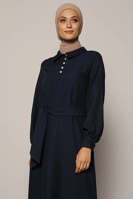 Refka Lacivert Taşlı Düğme Detaylı Kuşaklı Elbise