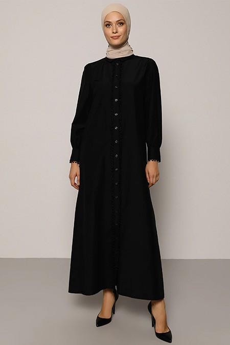 Refka Siyah Su Taşlı Boydan Düğmeli Elbise