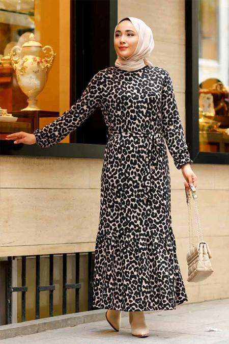 Desenli Kemer Detaylı Krem Tesettür Elbise