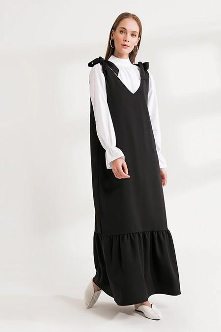 Ceylan Otantik Siyah Askısı Bağlamalı Jile Elbise