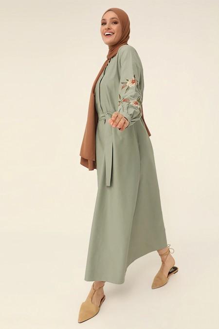 Refka Kekik Kolları Nakışlı Poplin Elbise