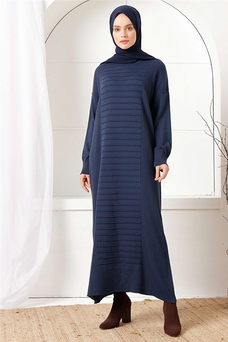 İnşirah Lacivert Çizgili Triko Elbise