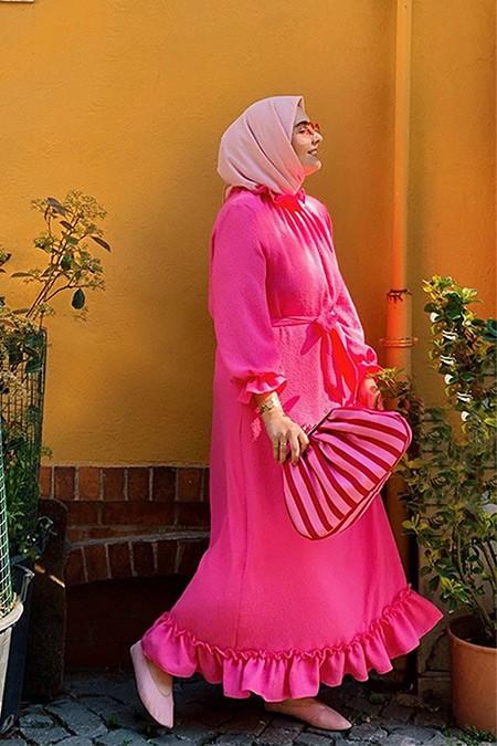 Merve Dağlı Pembe Fırfırlı Elbise