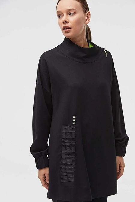 Kayra Siyah Yazı Detaylı Yakası Fermuarlı Sweatshirt