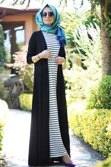 Melek Aydın Siyah Beyaz Çizgili Elbise