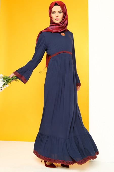 Luvice Güpür Detaylı Lacivert Elbise