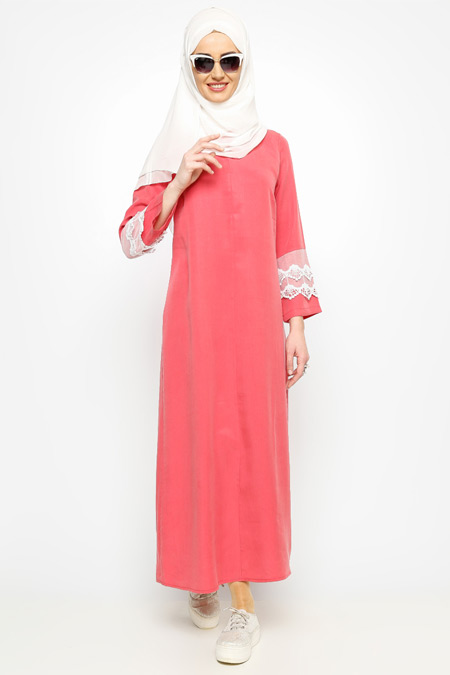 Meryem Acar Mercan Dantel Detaylı Elbise