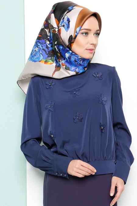 Armine Lacivert Çiçekli Bluz