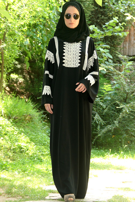 Melek Aydın Siyah Elbise
