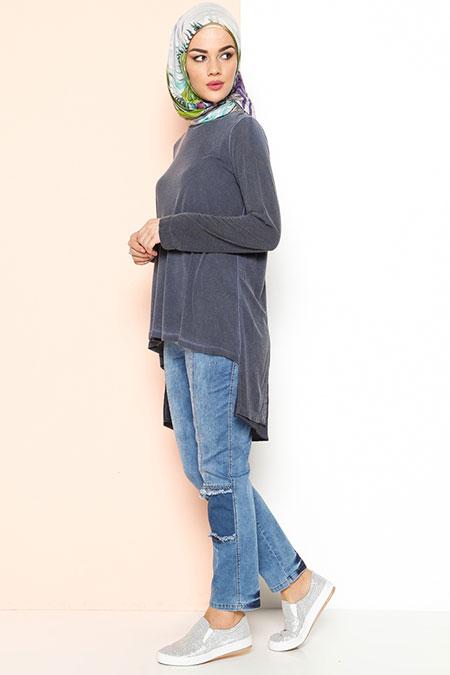 Yeşim Özcan Arkası Uzun Bluz