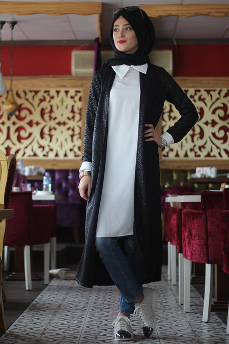 Nurbanu Kural Siyah Karen Ceket