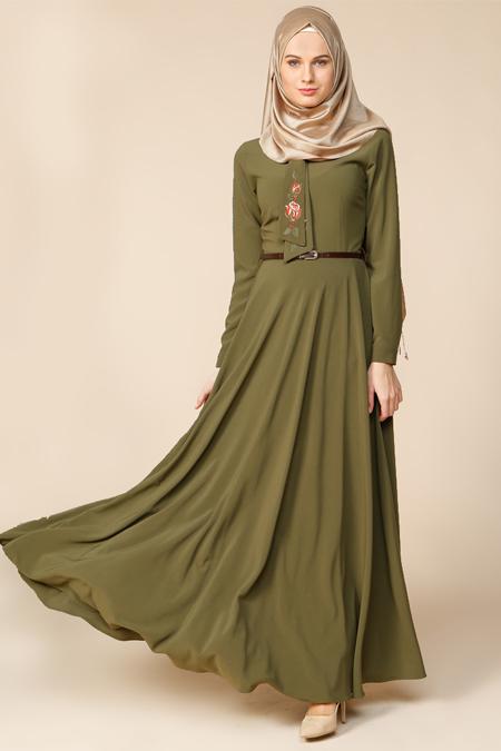 Puane Yeşil Nakış İşlemeli Elbise