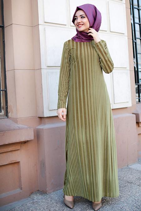 Gamze Özkul Yağ Yeşili Çizgili Kadife Elbise