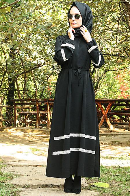 Melek Aydın Siyah Dantelli Elbise