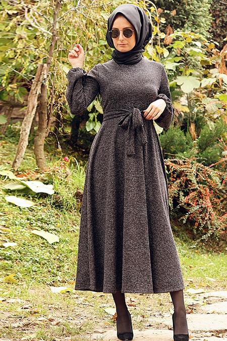 Melek Aydın Siyah Desenli Elbise