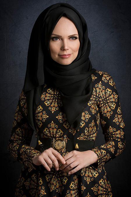 Muslima Wear Siyah Püsküllü Şal