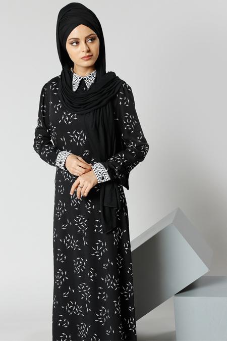 Refka Siyah Natürel Kumaşlı Güpür Detaylı Elbise