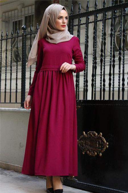 Beyhan Bordo Belden Fırfırlı Elbise