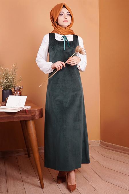Gamze Özkul Zümürt Askılı Kadife Elbise