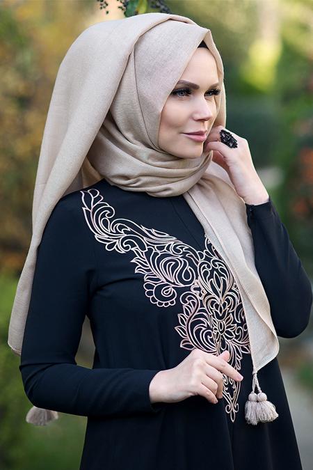 Muslima Wear Bej Queen Püsküllü Şal