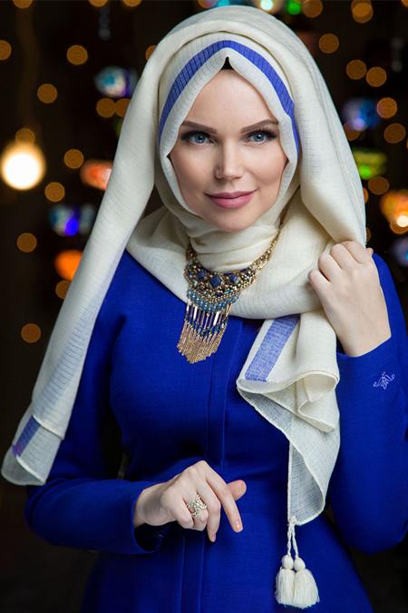 Muslima Wear Ekru Queen Püsküllü Şal