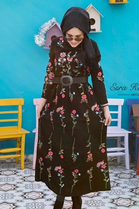 Esra Keküllüoğlu Nakışlı Elbise