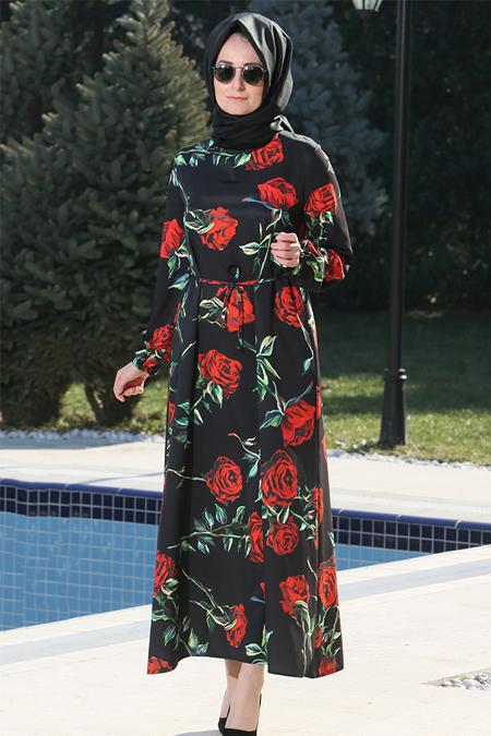 Melek Aydın Siyah Kırmızı Çiçek Desenli Elbise