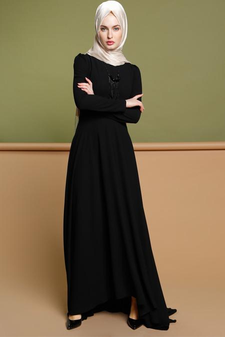 Puane Siyah Kolyeli Elbise