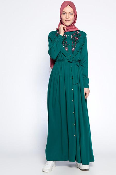 Beha Tesettür Zümrüt Nakışlı Elbise