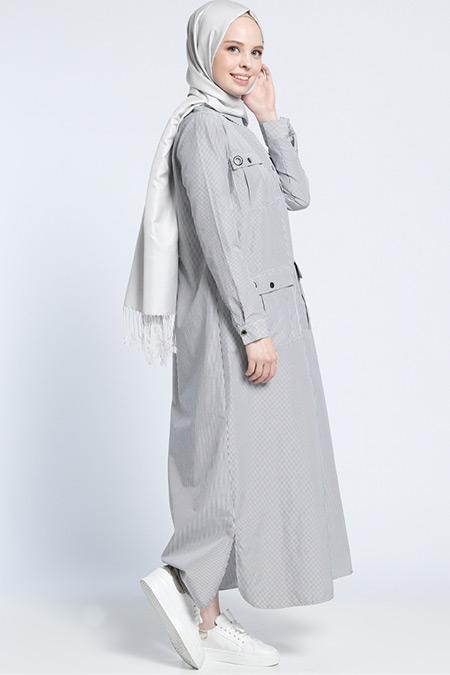 Benin Siyah Beyaz Çıtçıtlı Çizgili Elbise