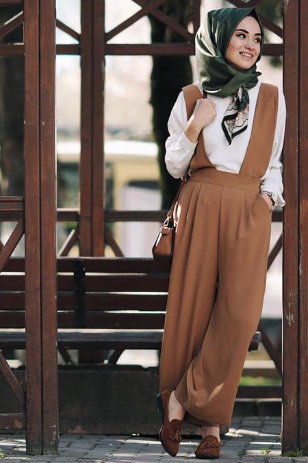 Kadriye Basturk Askılı Bol Pantolon Bluz Takım