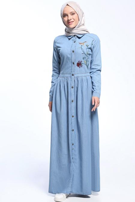 Benin Buz Mavi Natural Kumaşlı Nakışlı Kot Elbise
