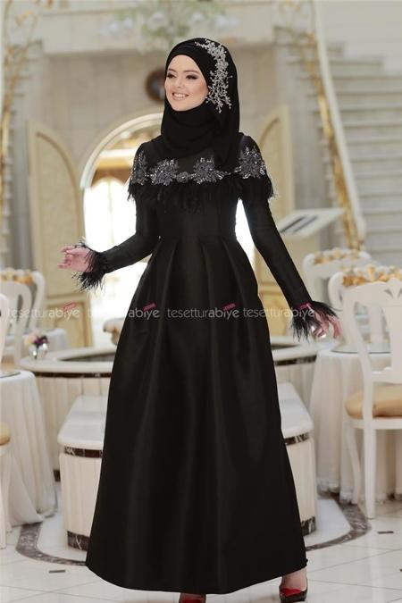 Gönül Kolat Siyah Tüylü Tafta Elbise