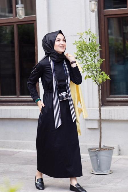 Kevsersarioglu Belden Büzgülü Cepli Rahat Siyah Elbise
