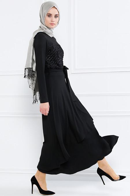 Refka Siyah Doğal Kumaşlı Volan Detaylı Elbise