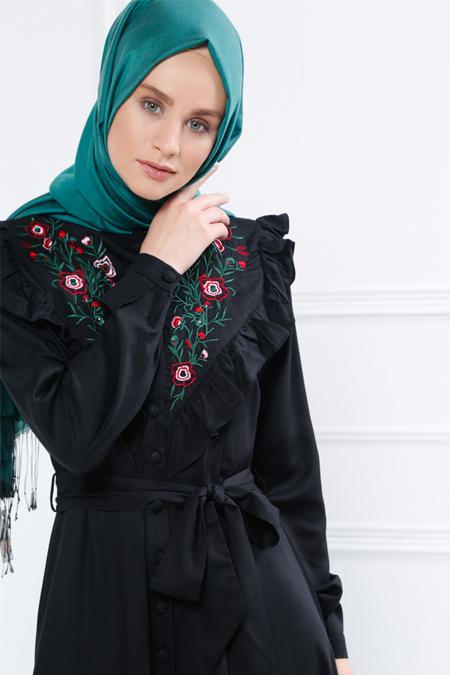 Refka Siyah Naturel Kumaşlı Nakışlı Elbise