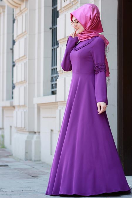 Gamze Özkul Koyu Fuşya Fırfır Detaylı Elbise