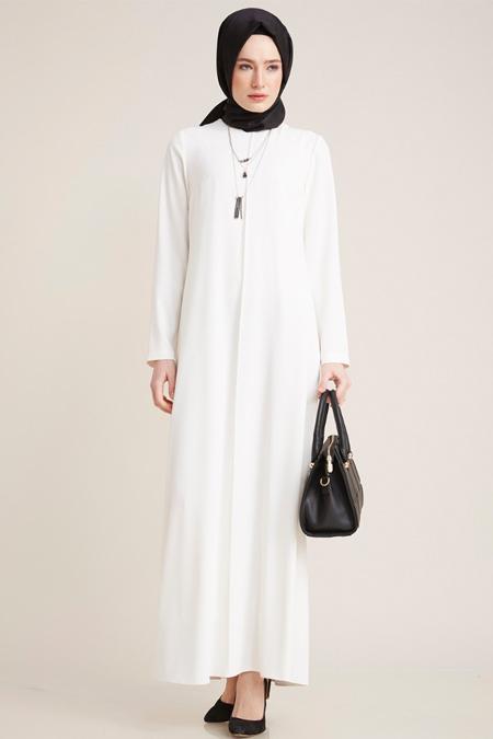 Kayra Ekru Kolye Detaylı Uzun Elbise