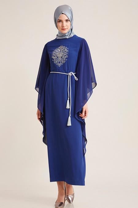 Kayra Saks Yanları Fırfırlı Nakışlı Elbise