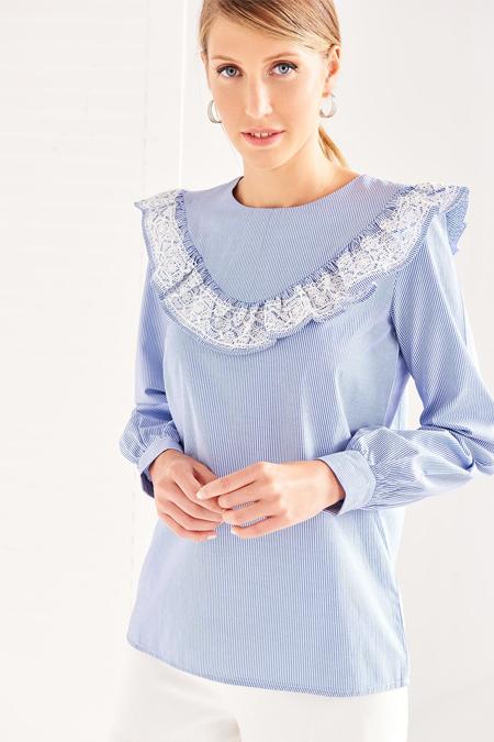 Vavist Mavi Çizgili Fırfır Detaylı Bluz