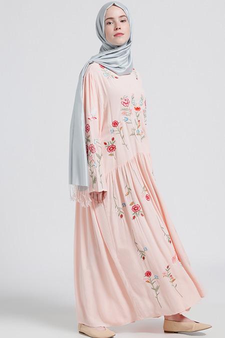 Benin Pudra Doğal Kumaşlı Nakışlı Elbise